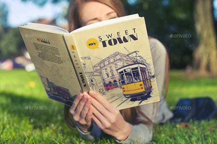 موکاپ جلد کتاب در دست زن